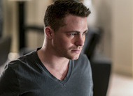 Arrow: Roy Harper em Star City no trailer, cenas e fotos do episódio 6x15