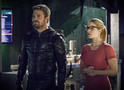 Arrow: revelado o título e uma foto do episódio final da 6ª temporada