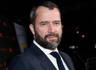 Sex Education: James Purefoy entra para série com Gillian Anderson e Asa Butterfield